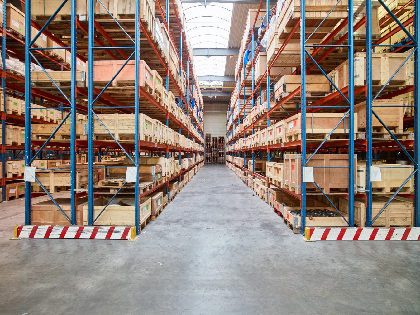 Sadel innove: premiers pas vers un entrepôt automatisé & WMS